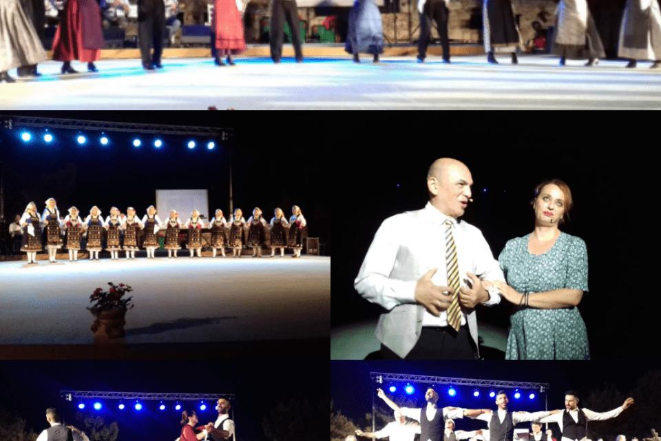 Ο Λαογραφικός Σύλλογος Μαρκοπούλου Μεσογαίας «Ρόδακας»,  ενθουσίασε με την Χοροθεατρική Παράσταση «Μια Βαλίτσα Αναμνήσεις»,  στο Θέατρο Σάρας Μαρκοπούλου!
