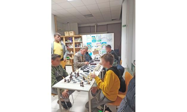 Ξεκίνησε το 8ο Φθινοπωρινό Ανοιχτό Τουρνουά Σκακιού, μεταμορφώνοντας το Δημοτικό Πολυχώρο στο Πόρτο Ράφτη, σε αγωνιστικό «τερέν»