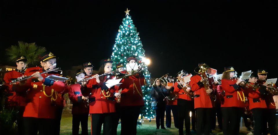 Το Χριστουγεννιάτικο Δέντρο φωταγωγήθηκε στο Λιμάνι Πόρτο Ράφτη!