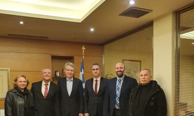 Στο Δημαρχείο Μαρκοπούλου, ο Πρέσβης των Ηνωμένων Πολιτειών στην Ελλάδα, Τζέφρι Πάιατ.