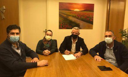 Υπεγράφη η Σύμβαση μεταξύ του Δήμου Μαρκοπούλου και των ΚΤΕΛ για 50% μαθητική έκπτωση στην τιμή του εισιτηρίου σε διαδρομές εντός του Δήμου Μαρκοπούλου