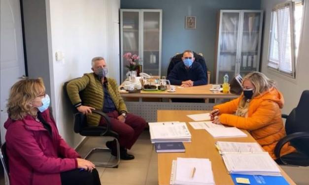 Σύσκεψη παρουσία της Περιφ. Συμβούλου Ευρώπης Κοσμίδη στην Τεχνική Υπηρεσία Δήμου Μαρκοπούλου